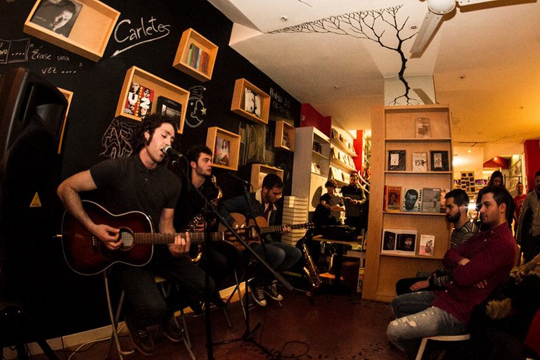 Live music at Libreria Hydria, Salamanca