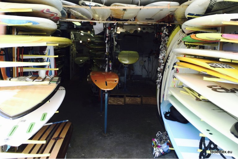 Second-hand surfboards at Federflex