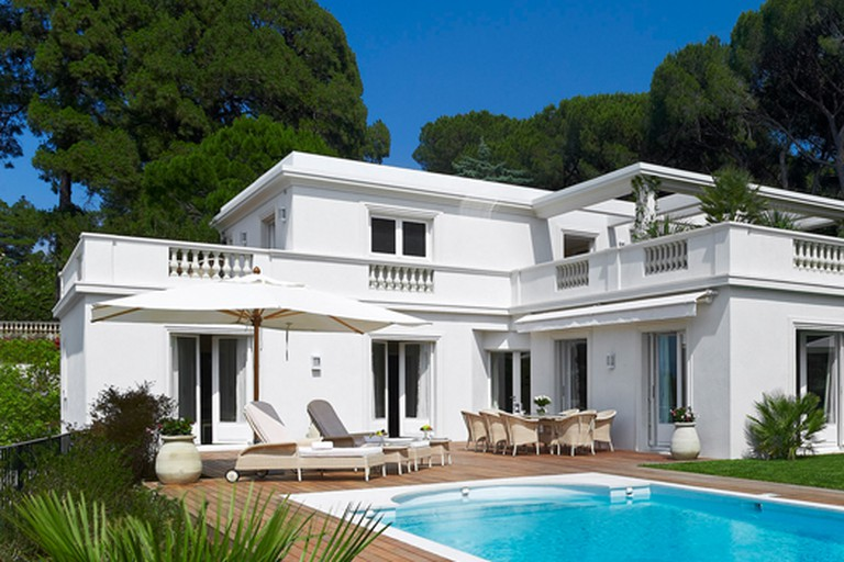 Just one of the many villas on the grounds of the Hotel du Cap