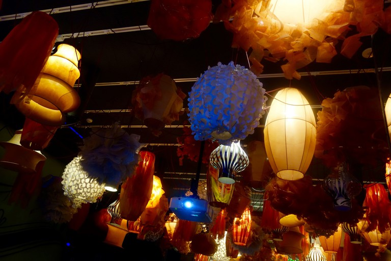 Enjoy the fiesta-themed décor © Sonse