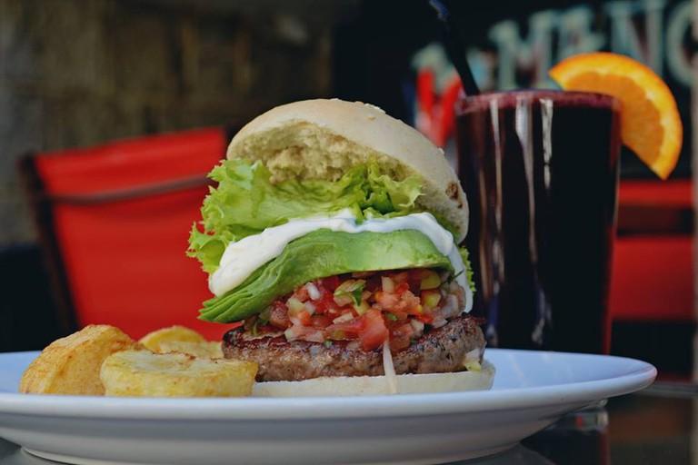 Burger at A Mano Gin&Burgers