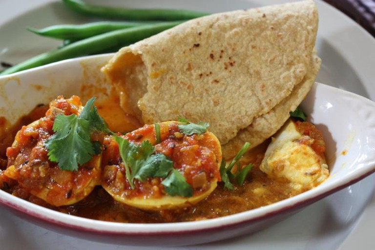 Egg curry tortilla