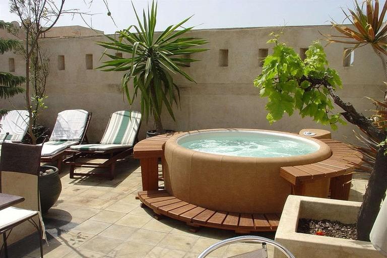 Outdoor hot tub at Riad La Villa & Spa