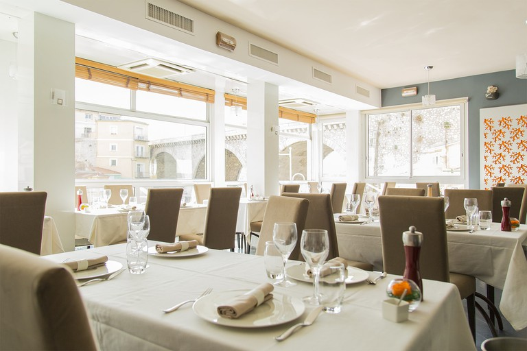 The dining room at Chez Fonfon | © Courtesy of Chez Fonfon