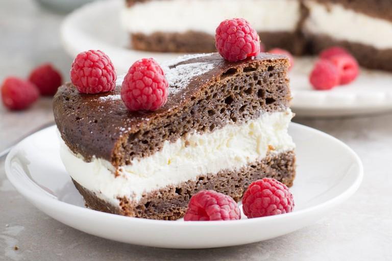 Bird cherry cake