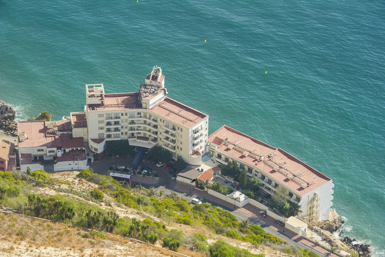 accommodation right on the Mediterranean at the Caleta hotel