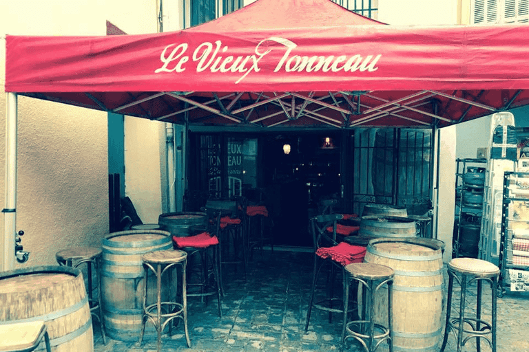 Le Vieux Tonneau loves its wine and wine barrels