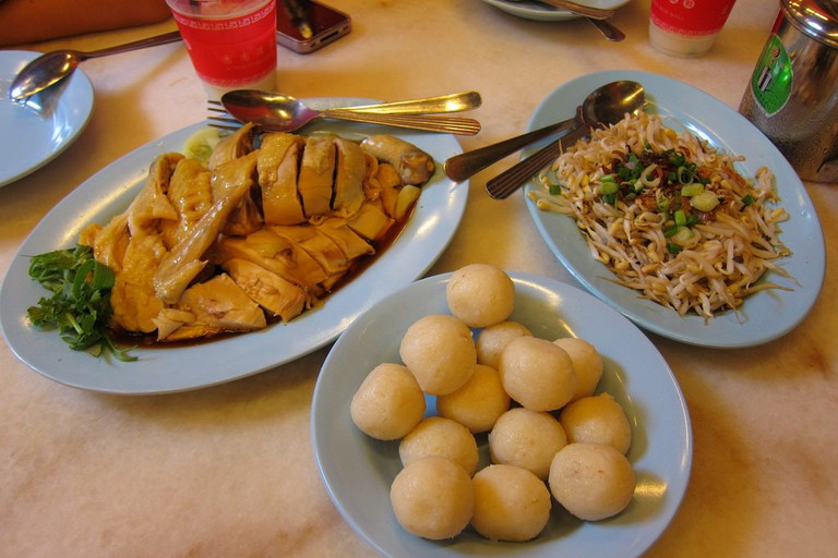Chicken Rice Ball served with steamed chicken and bean sprouts