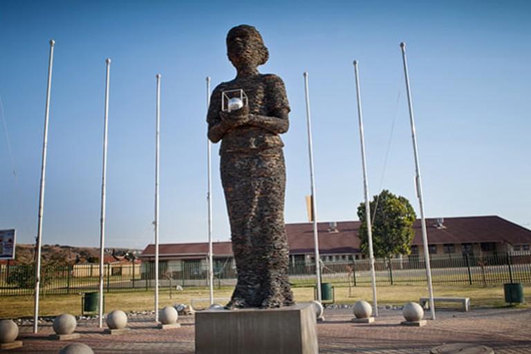 Little Mamma Africa statue