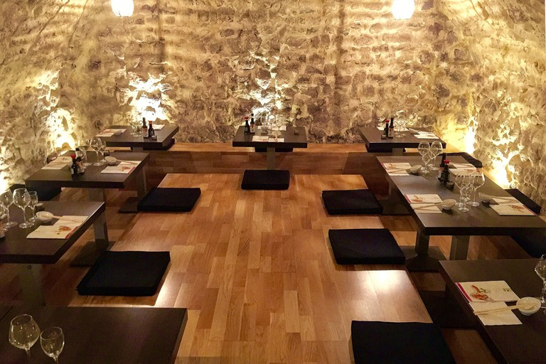 The main dining room in Sushi Couronne