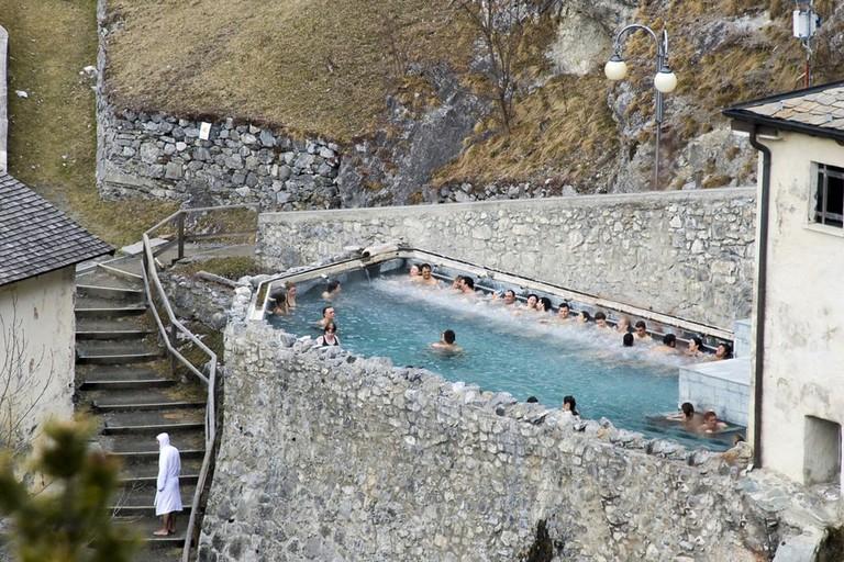 An outdoor pool at Bagni Vecchi di Bormio