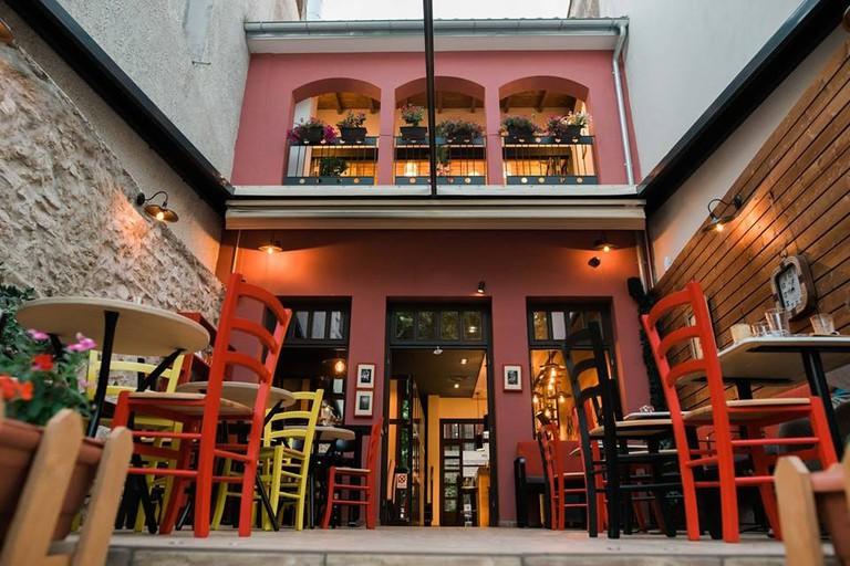 Z HOTEL - CAFE BISTRO - ΙΩΑΝΝΙΝΑ