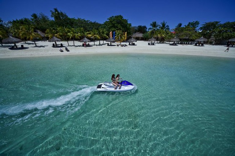 Maribago Beach