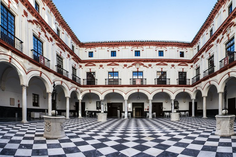 The stunning central courtyard at Hotel Convento