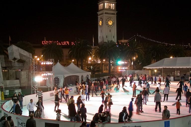 Embarcadero Ice Skating RinkΙ©Ingrid Taylar/Flickr
