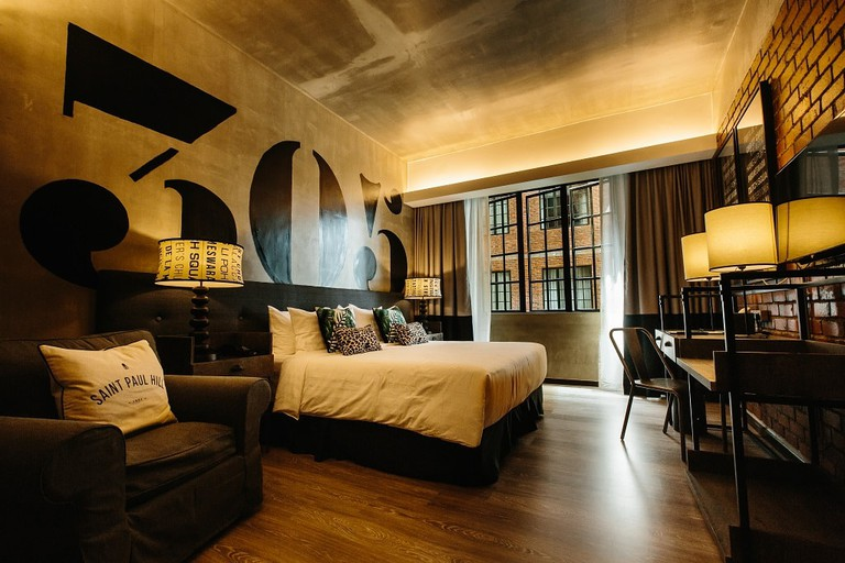 Deluxe King Room at Rosa Malacca