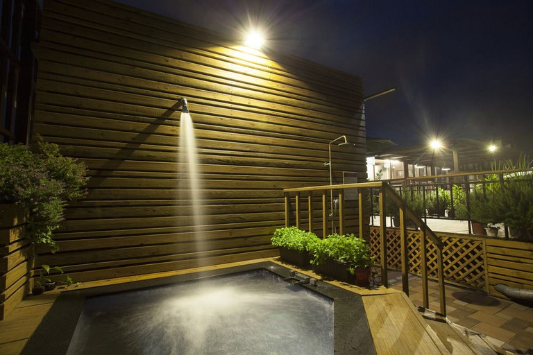 The rooftop plunge pool at Li-Shuian International Hotel