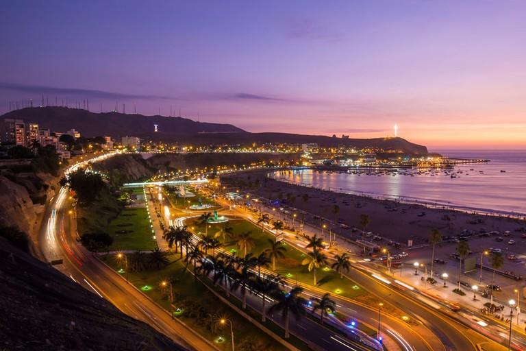 shutterstock_391864783 https://www.shutterstock.com/es/image-photo/panoramic-view-aguadulce-beach-sunset-chorrillos-391864783?src=SQq8uEWDhWd1J00mOeK1FQ-1-45