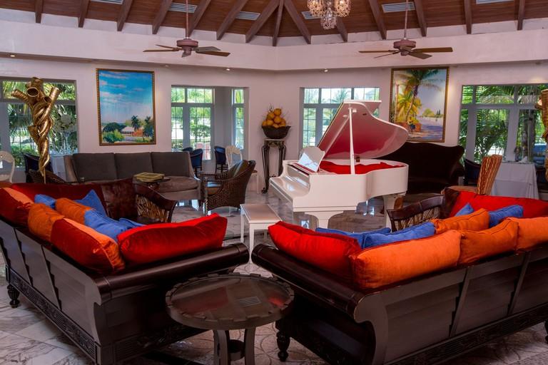 Lounge at Sapodilla