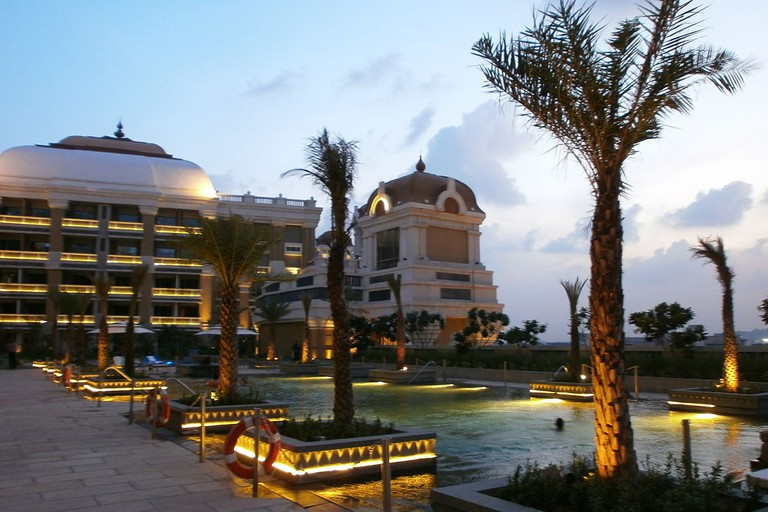 The Cafe Mercara is located inside ITC Grand Chola Hotel, which is one of the largest hotels in the country
