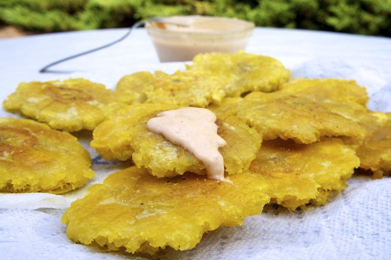 Tostones with mayo-ketchup