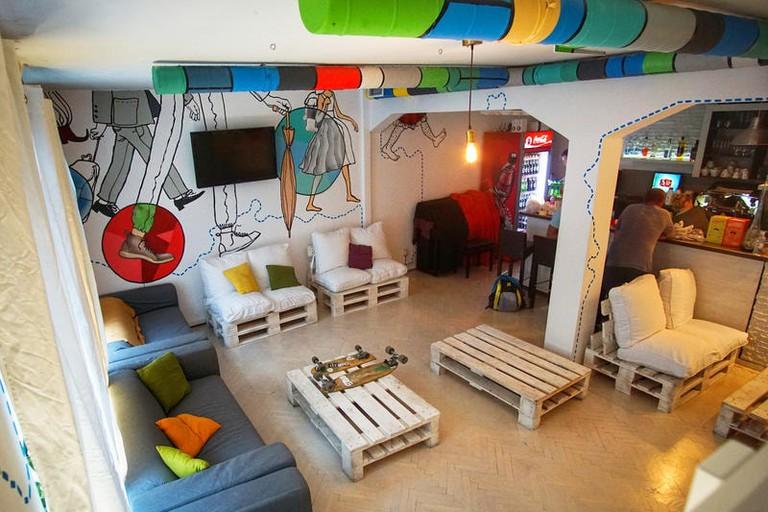 Whole Wide World Hostel & Bar