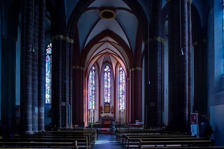 1024px-Mainz_St._Stephan_BW_2012-08-18_10-21-51