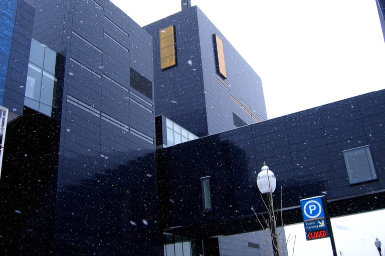 Guthrie Theater Exterior during Winter | © Jeremy Noble/Flickr