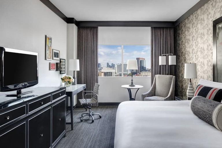 Deluxe room at Loews Vanderbilt Hotel
