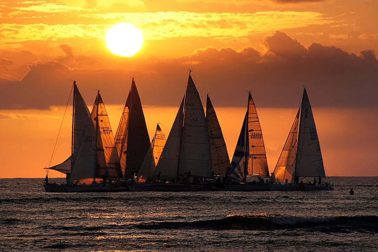 Waikiki sunset | © Bernard Spragg. NZ/Flickr