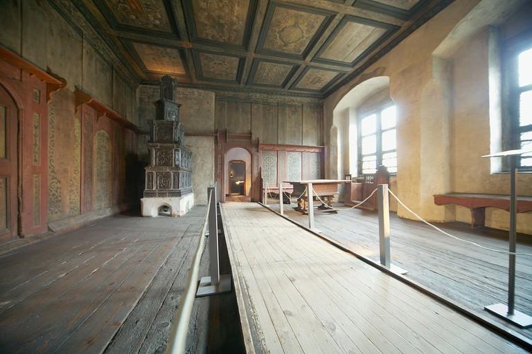 1200px-Wittenberg_Lutherhaus_interior_02