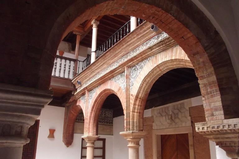 An internal patio in the Palacio de Mondragón