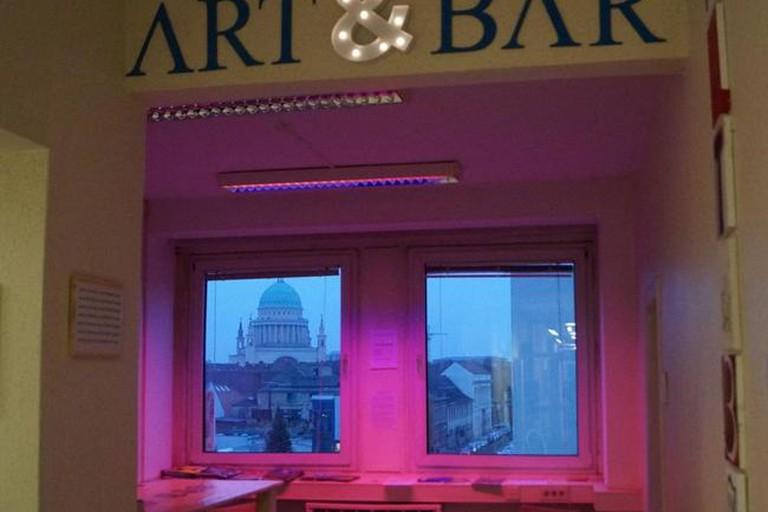 Art Bar