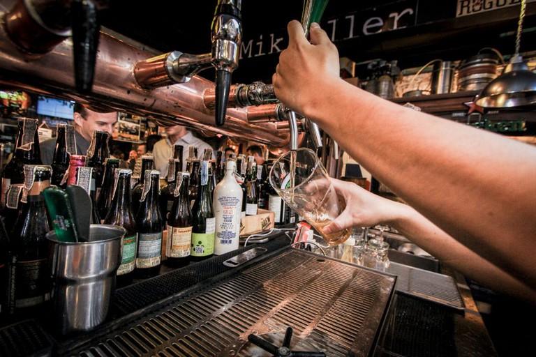 BREW - Beers & Ciders Sukhumvit Soi 11, กรุงเทพมหานคร