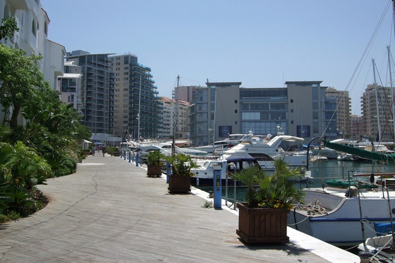 Cafe Fresco is located in the fashionable neighbourhood of Ocean Village