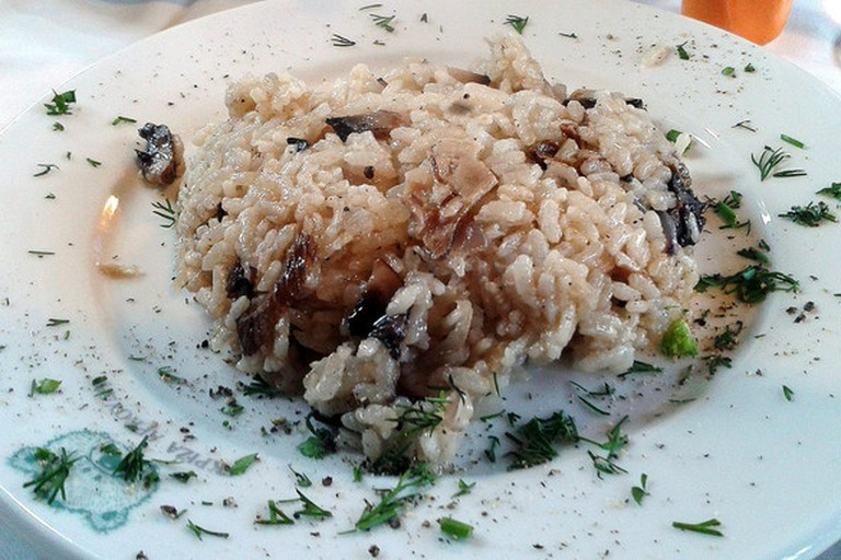 Try the wild mushroom risotto at The Landings