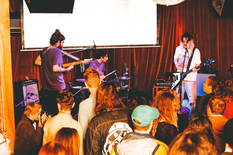 Live music at The William Street Bird