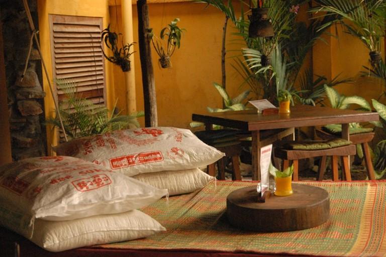 ASANA OLD WOODEN HOUSE Cocktail Bar, Krong Siem Reap