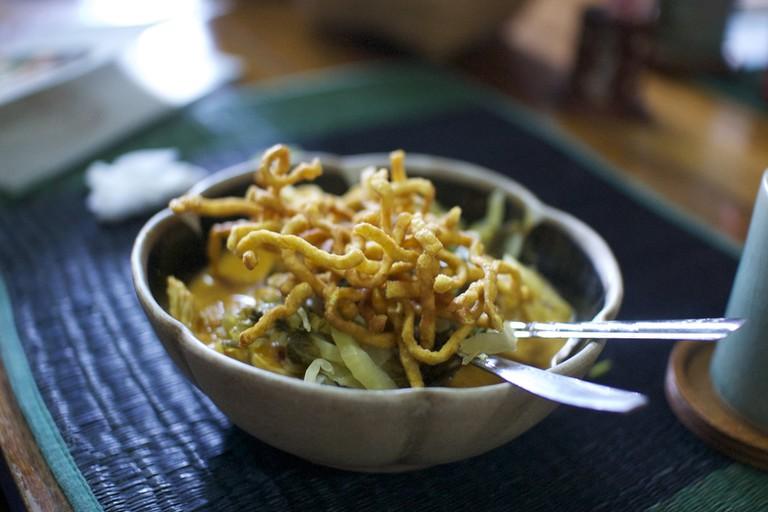 Delicious vegetarian khao soi