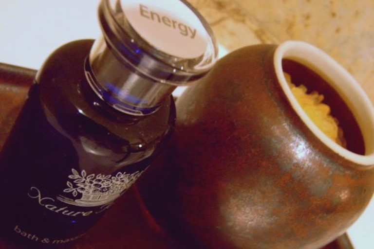 Essential oil and bath salts
