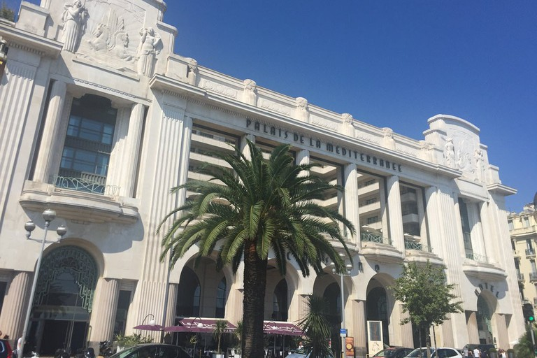 The Hyatt Regency Nice is adored for its high-end outdoor restaurant, 3e, overlooking the Promenade des Anglais