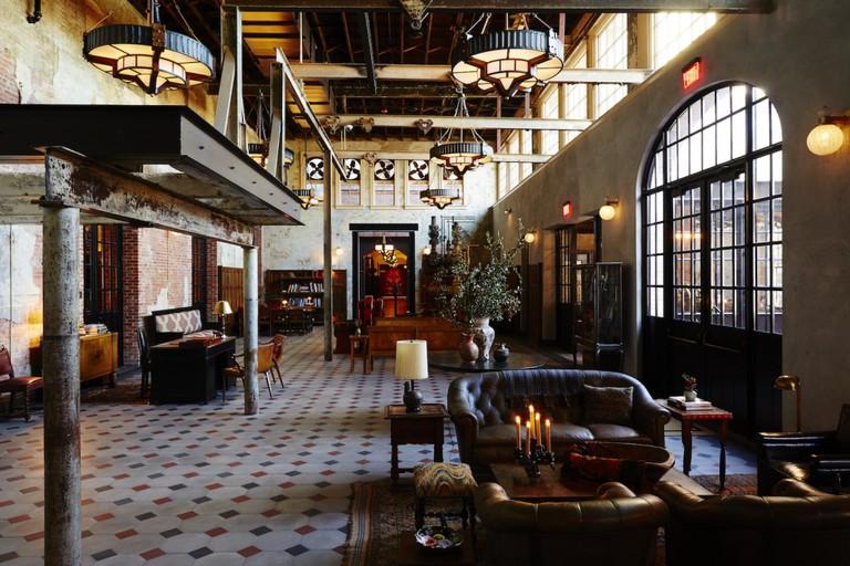 Hotel Emma Lobby