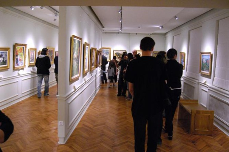 Romanian Art Gallery, Piata Mare
