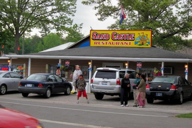 Pink Elephant Diner, Hart