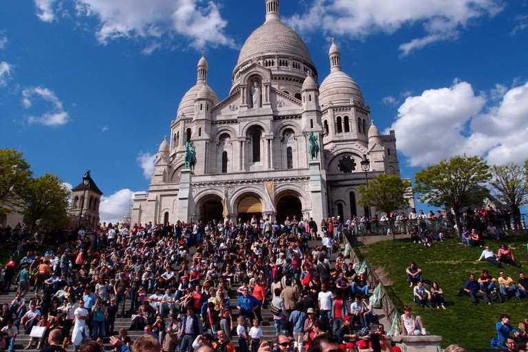Crowds at the Sacré-Coeur
