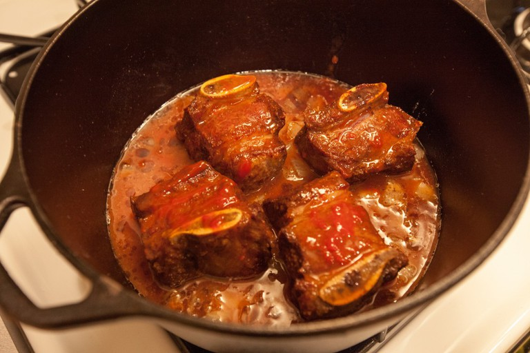 Braising short ribs