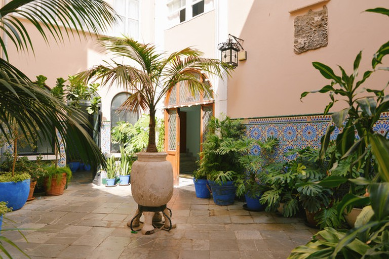 Moorish-style courtyard in the Holy Trinity cathedral