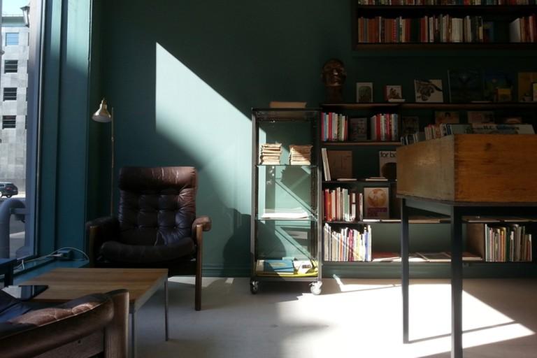 Inside Schous Bøker store