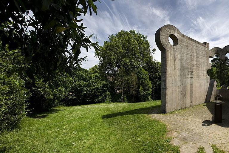 Gure Aitaren Etxea sculpture by Eduardo Chillida