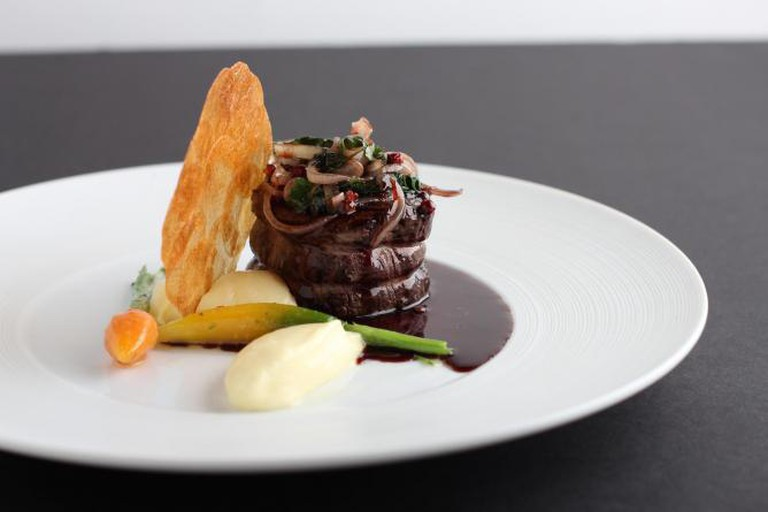 Filet of beef, garlic potato purée and red wine-shallot sauce